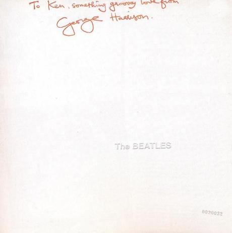 Un album des Beatles signé par Charles Manson en vente pour 30 000£ !