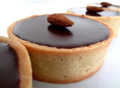 Tartelettes praliné amandes et ganache chocolat