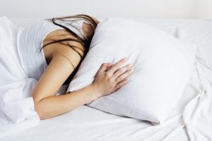 Crise cardiaque et AVC: Les troubles du sommeil aussi mauvais que le tabac – Euro Heart Care