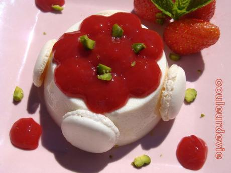 Panna cotta à la vanille et coulis de fraise