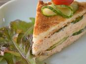 Club sandwich émietté truite poivre vert crudités