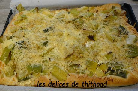pizza aux poireaux et gruyère râpé