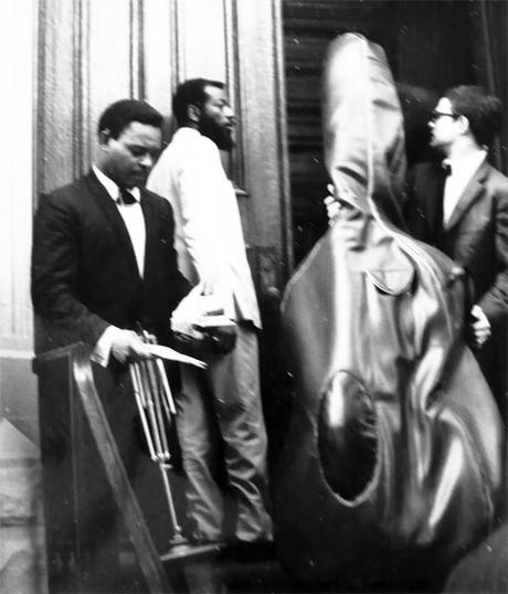 Blonde & Idiote Bassesse Inoubliable************The Shape of Jazz To Come d'Ornette Coleman