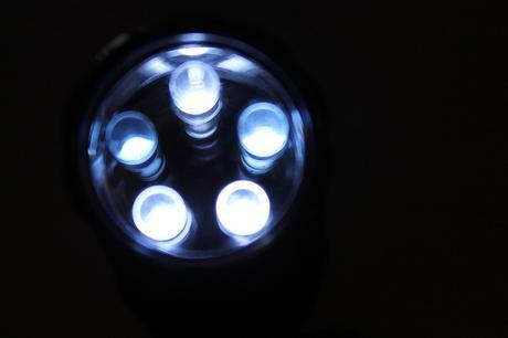 led-252074_640