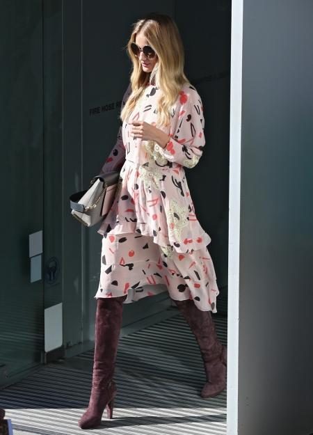rosie-huntington-whiteley-boots-redonline.co.uk__portrait