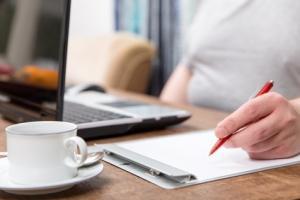 STÉATOSE HÉPATIQUE: En restant assis, le foie grossit aussi – Journal of Hepatology