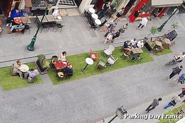 Parking Day : Les places de parking deviennent...
