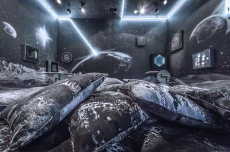 AD Intérieurs 2015 – Les Décors – Le salon de joie d'Alexandre de Betak