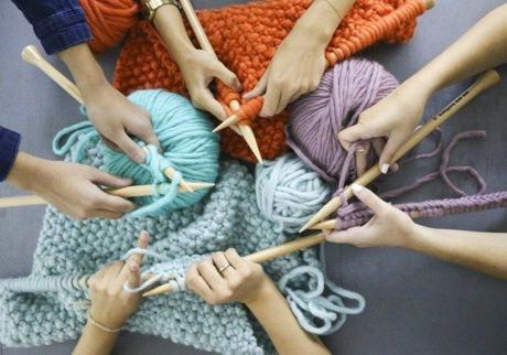 (c) Weareknitters