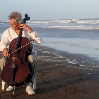 Plenario pour violoncelliste et poète [à l'affiche]
