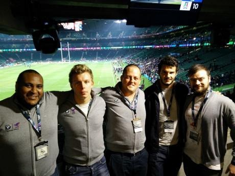 Dernière photo dans les loges :  Heissam de TourEnOvalie, Leo Ghirard, Arnaud de ParceQueToulon ,  Arthur Bonneval et moi-même