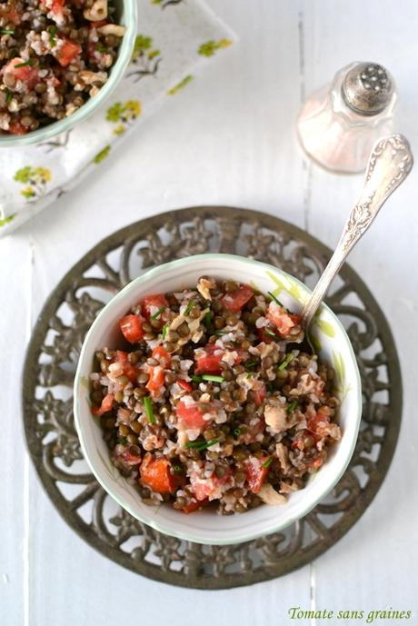 Salade d'épeautre et lentilles Beluga au maquereau