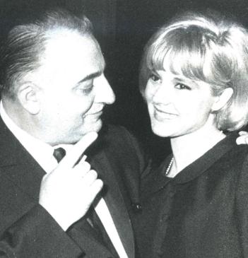 Sylvie Vartan : Fiancée avec Johnny, draguée par John Lennon !