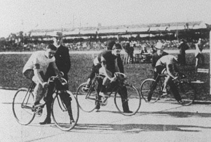 Cycling_Sprint_1900.jpg
