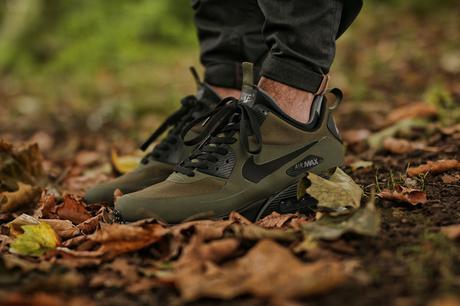 Nike-Air-Max-90-Mid-Winter-Dark-Loden-Black-Dark-Grey-806808-300-1