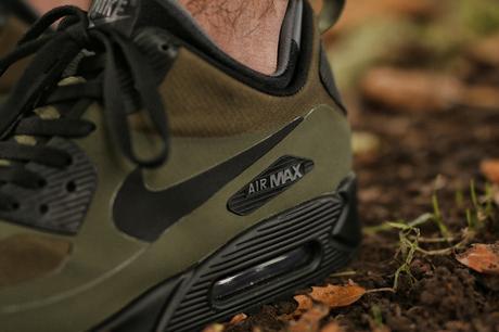Nike-Air-Max-90-Mid-Winter-Dark-Loden-Black-Dark-Grey-806808-300-3