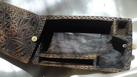 Encore une tentative d'arnaque: une pseudo tabatière de compagnon tailleur de pierre mise en vente sur eBay