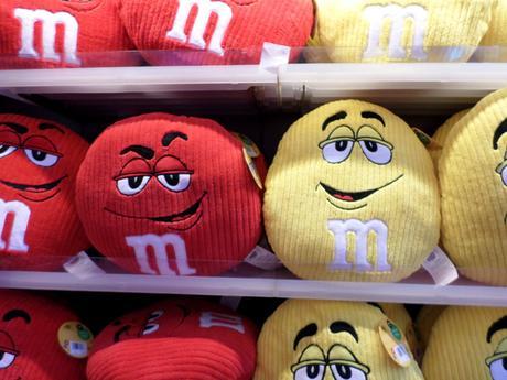 M&Ms met la personnalisation aussi en magasin