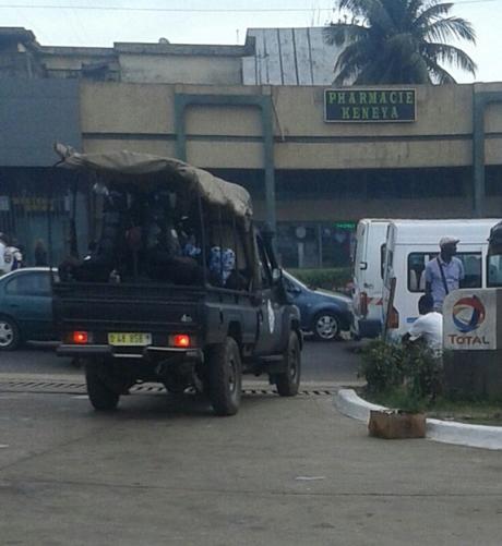 la police disperse un meeting de l'opposition à Abidjan  En Côte d'Ivoire la police disperse un meeting de l'opposition à Abidjan
