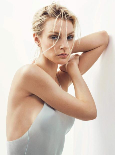 18-welcome-to-my-world-folkr-eye-contact-jessica-stam-by-david-slijper-for-s-moda-june-2015