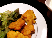 Beignets chou-fleurs épicés, sauce yaourt citron vert