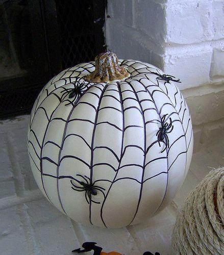 Diy citrouille d halloween 13 id es d co faciles et for Decoration citrouille peinture