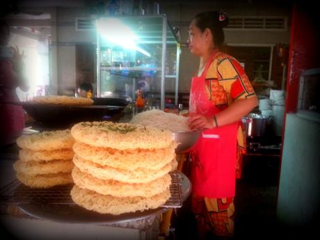 mekong delta vietnam rice crackers