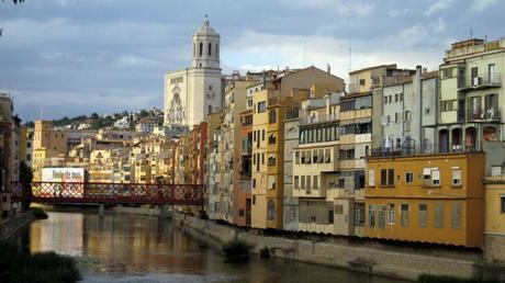 figueras charmante ville espagnole de la catalogne voir. Black Bedroom Furniture Sets. Home Design Ideas