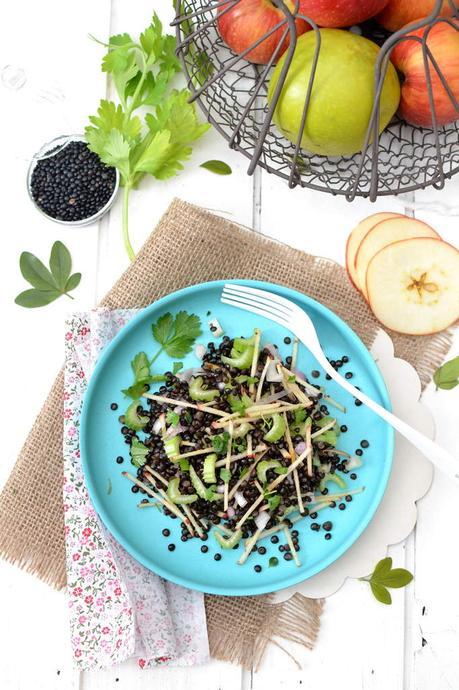 Salade de lentilles beluga c leri branche pomme - Comment cuisiner des lentilles blondes ...