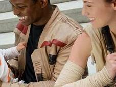 Quand jeunes parents rejouent Star Wars avec photographe