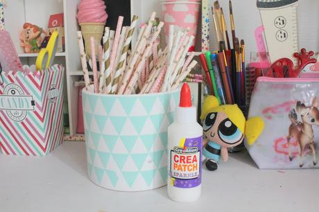 diy un pot crayons original avec des pailles paperblog. Black Bedroom Furniture Sets. Home Design Ideas