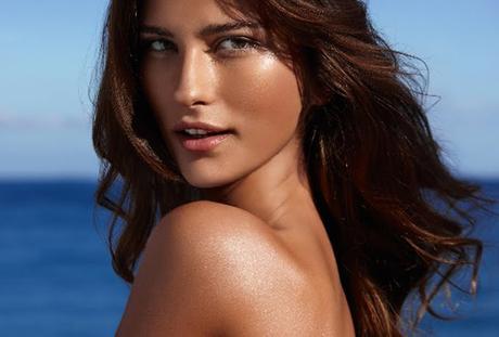 Natural Glow Moussant Hydratant quotidien pour les moyennes et peau bronzée