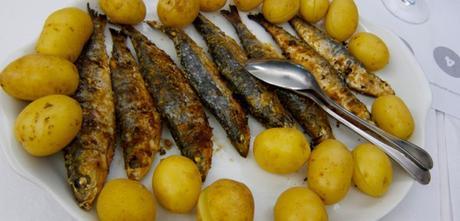 Recette sardines grill es au barbecue sardinhas assadas paperblog - Sardine grillee au barbecue ...