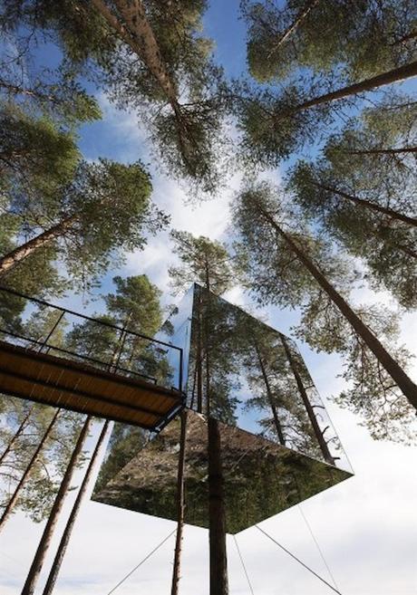Incredible-Mirror-Cube-Habitation-in-Sweden-6