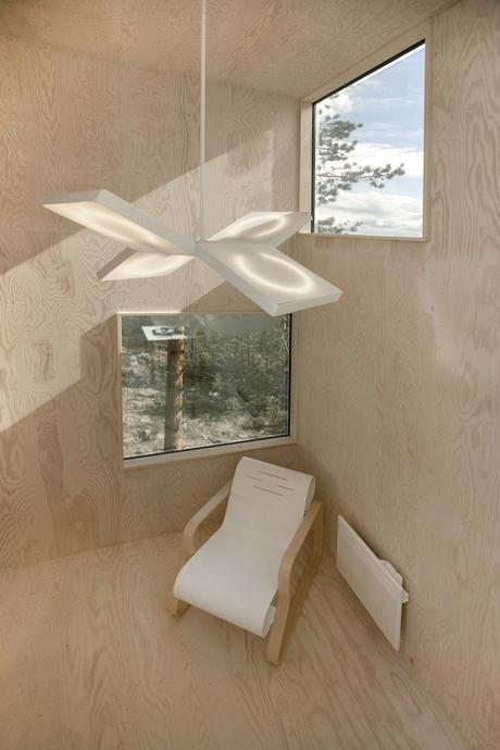 Incredible-Mirror-Cube-Habitation-in-Sweden-8