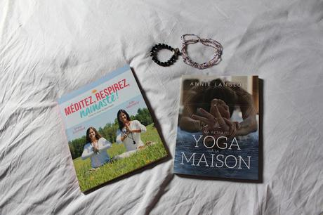 deux livres pour faire du yoga la maison paperblog. Black Bedroom Furniture Sets. Home Design Ideas