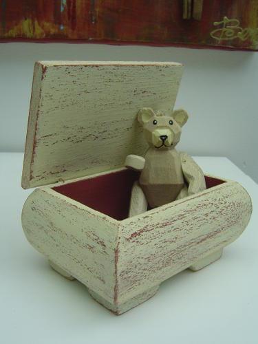 Coffret en bois peint vieilli paperblog for Peinture bois vieilli