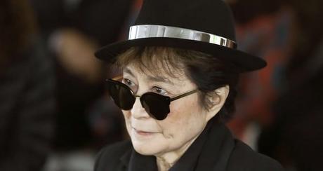 [Revue de presse] Yoko Ono: L'état de santé de la veuve de John Lennon se dégraderait