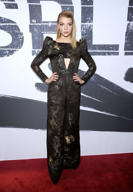 Anya Taylor-Joy en Schiaparelli Haute Couture à la première de « Split »