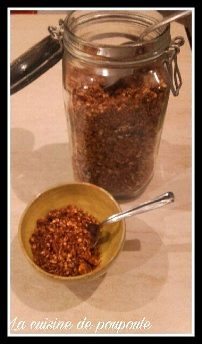 Granola au sarrasin, noix et cacao