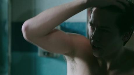 SEXY : Jughead, shirtless in Riverdale s1ep07