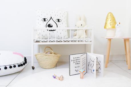 le petit lit de poup e vintage d couvrir. Black Bedroom Furniture Sets. Home Design Ideas