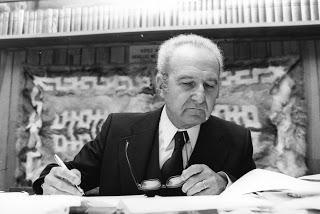 Pour présenter une proposition politique, Garaudy savait prendre de la hauteur (2/4). De l'individualisme à la communauté