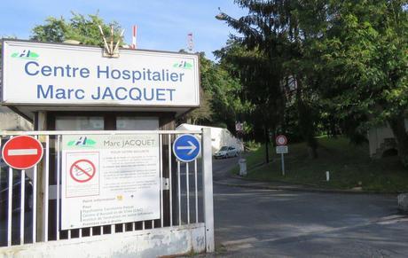 Un robot prépare les médicaments à l'hôpital Marc-Jacquet