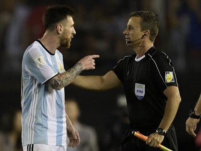 Lionel Messi prend quatre matchs de suspension après avoir insulté un arbitre :