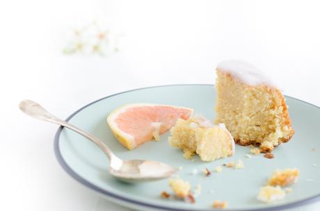 Bundt cake au pamplemousse et fleur d'oranger
