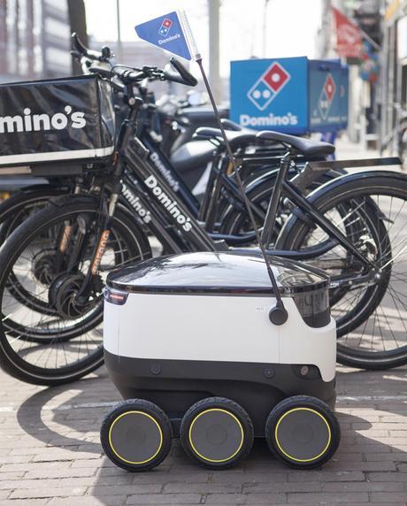 Les livreurs de Domino's Pizza remplacés par des robots