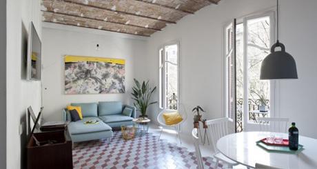 Un appartement de vacances à Barcelone riche en couleurs