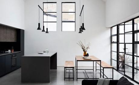Transformation d'un ancien entrepôt en maison moderne à Londres