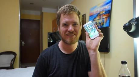 Ce youtubeur a décidé de fabriquer son propre iPhone !